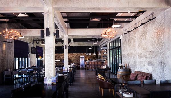 River Bar and Restaurant